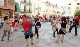 Dos-cents balladors a la Festa de la Jota de la Ribera d'Ebre