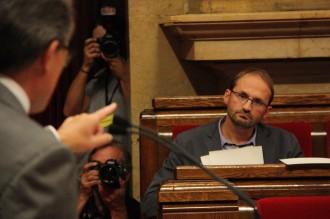 Vés a: Herrera demana als sobiranistes «no cremar» la consulta