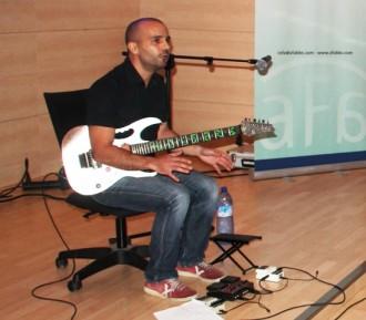 Ivan Dach: «És com tocar un altre instrument completament diferent»