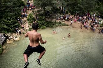 Campdevànol es mou per «salvar» el massificat torrent de la Cabana