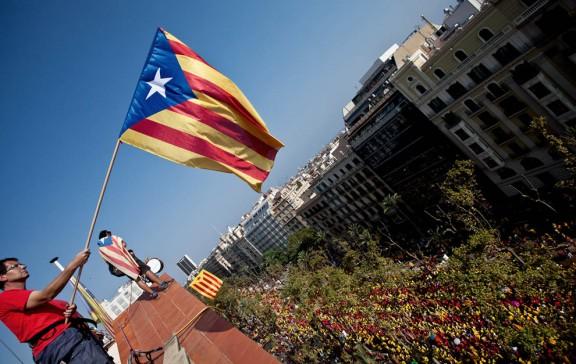 Més de 20.000 gironins reclamen a la Via Catalana que els deixin votar