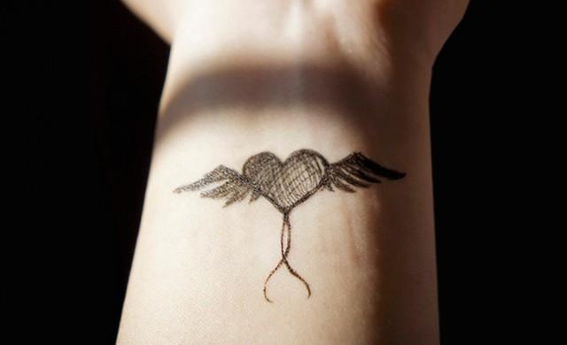 5 tatuatges que pots fer-te fent servir només un boli [FOTOS]