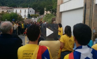 Vídeos de la concentració a Vacarisses en defensa del 9-N