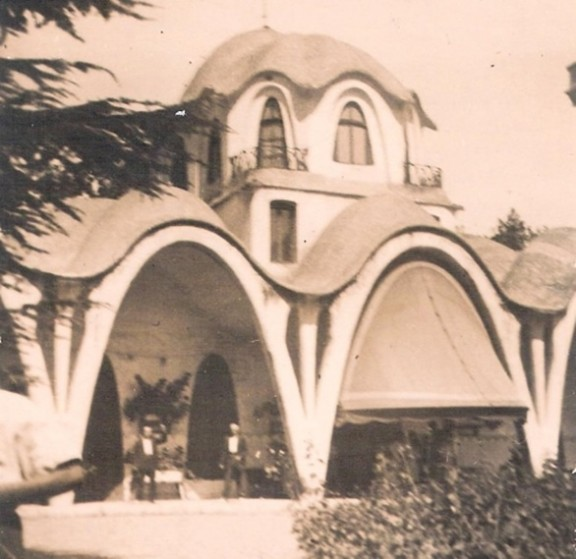 La torre del palau terrassa en blanc i negre - Masias en terrassa ...